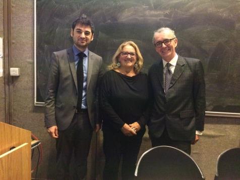 De gauche à droite : M. Loïc GUYON (Président de l'AMOPA Irlande), Mme Marie Anne ISLER BEGUIN (Présidente de l'Institut européen d'écologie) et M. le Professeur Michael CRONIN (Trinity College Dublin)